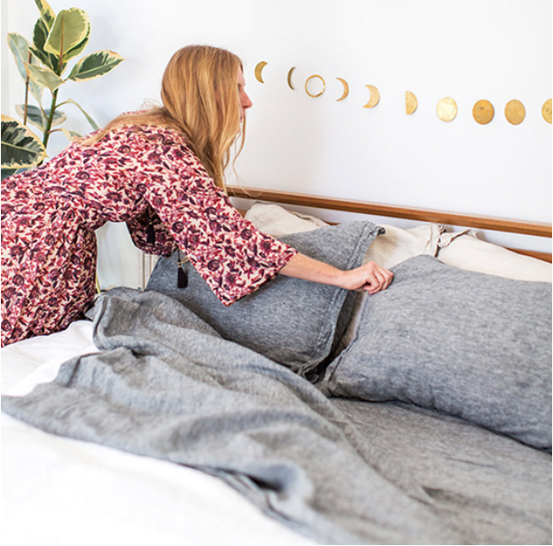 The Best Organic, Fair-Trade Bedding Brands For Non Toxic Sleep. #organic #bedding #nontoxic