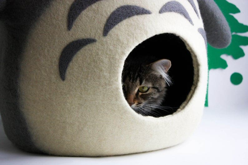 Eco-friendly Cat Toys (Feline Holiday Gift Guide)