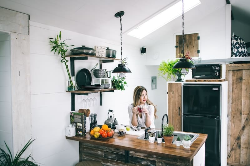 non-toxic home spring cleaning for the kitchen