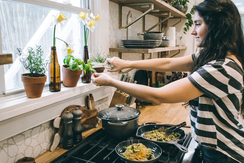 cook your own food for an environmentally conscious life